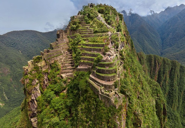 Jedno z niezwykłych miejsc na Ziemi Machu Picchu miasto Inków w Peru